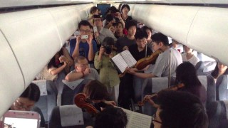 Pop-up orchestra on a delayed plane