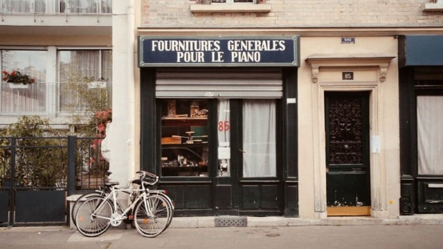 La Mer de Pianos: A film about the oldest piano shop in Paris