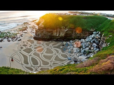 Andres Amador's Earthscapes: Art that Goes Out with the Tide