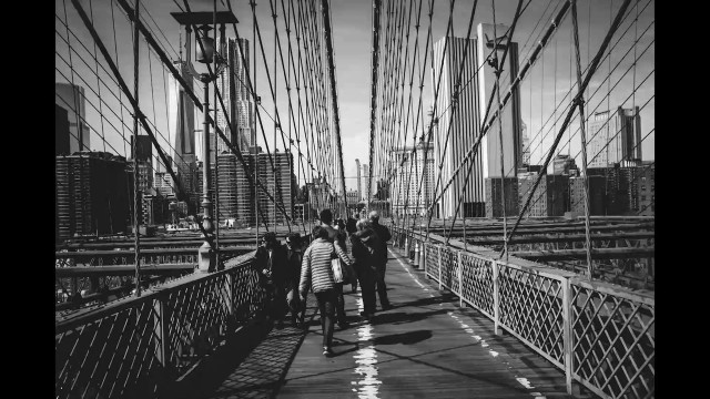 Walking across the Brooklyn Bridge