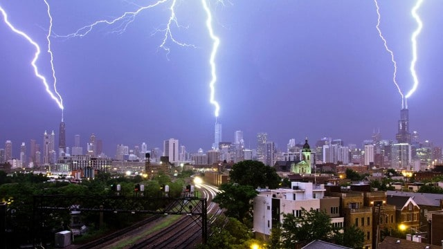 Two Triple Lightning Strikes in Chicago