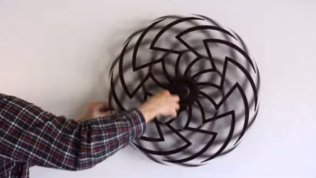Zinnia – A dizzying spring-driven kinetic sculpture