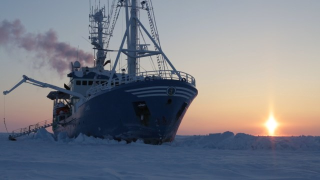 Drifting With the Ice: Life on an Arctic Expedition