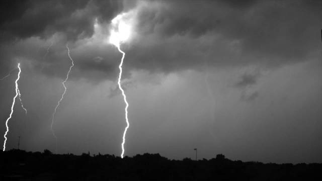 Lightning storm recorded at 7,000 frames per second
