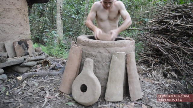 Termite clay kiln & pottery – Primitive Technology