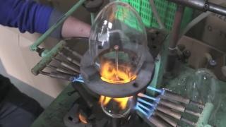 The Bulb Factory: How vintage filament bulbs are made by hand