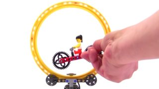 Cycling, a LEGO Technic creation by Yoshihito Isogawa