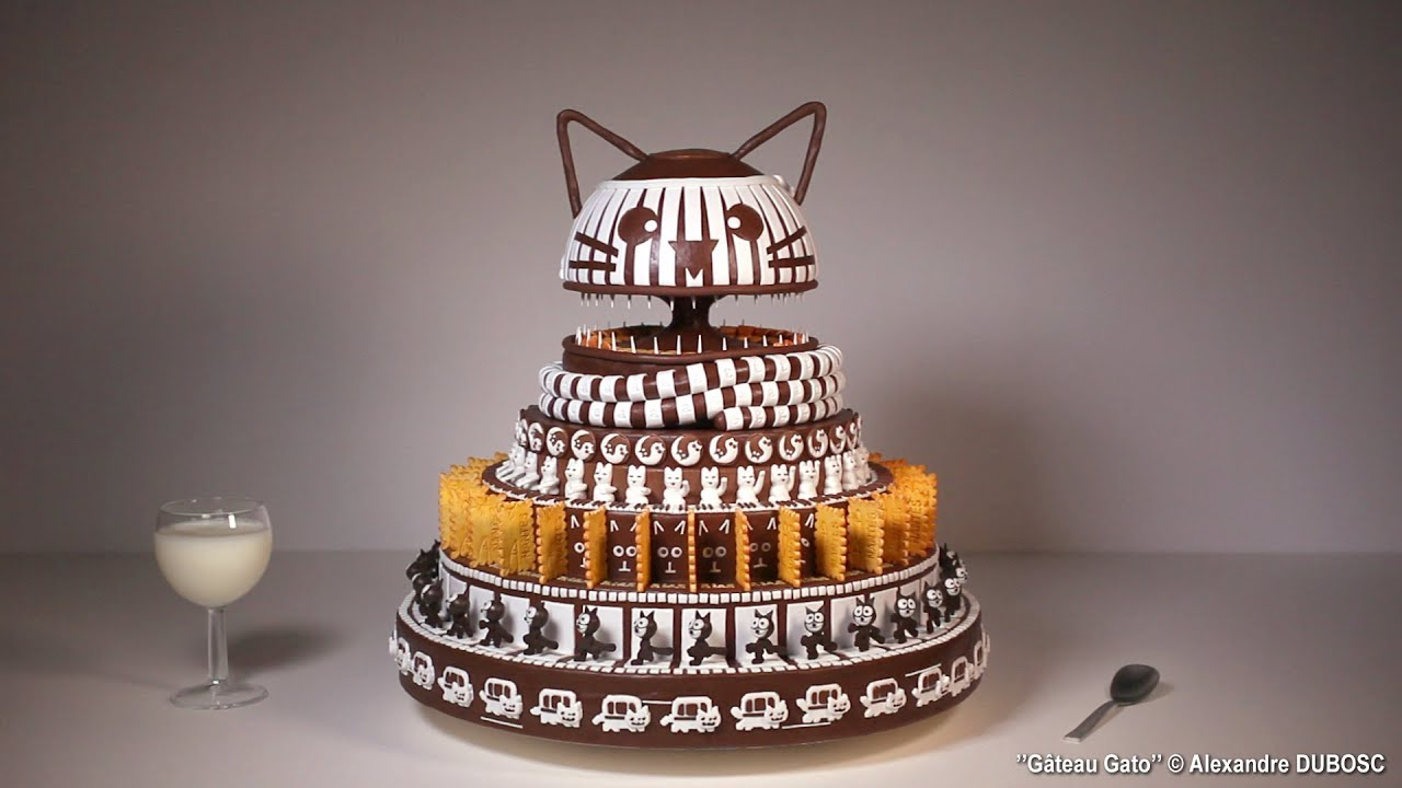 G 226 Teau Gato A Cat Themed Chocolate Zoetrope Cake The