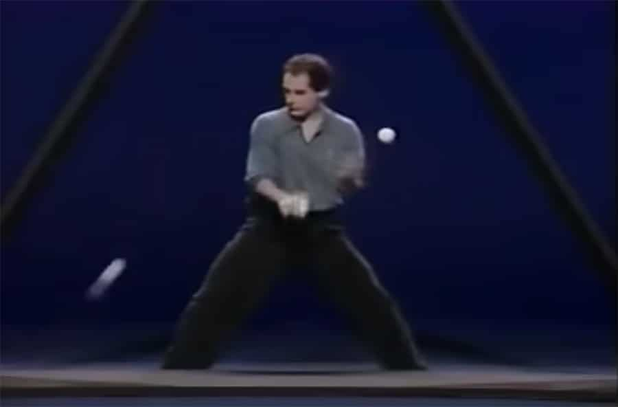 michael moschen triangle juggling