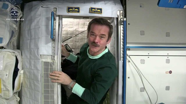 What it's like to live in space – Astronaut Chris Hadfield