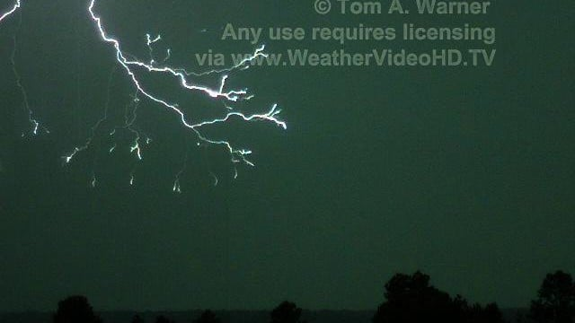 Lightning captured at 7,207 images per second