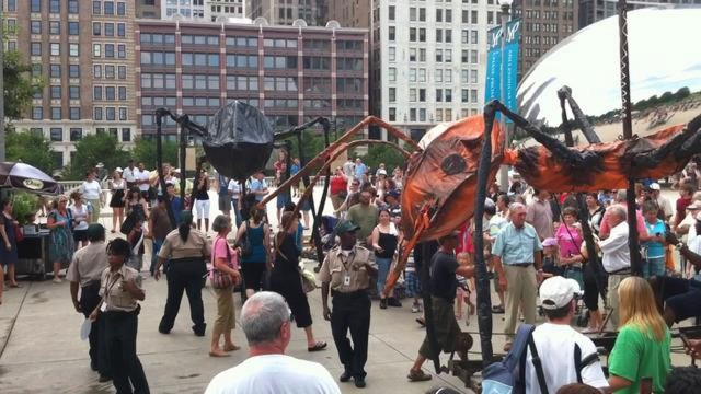 Sarruga: Giant Insects in Chicago