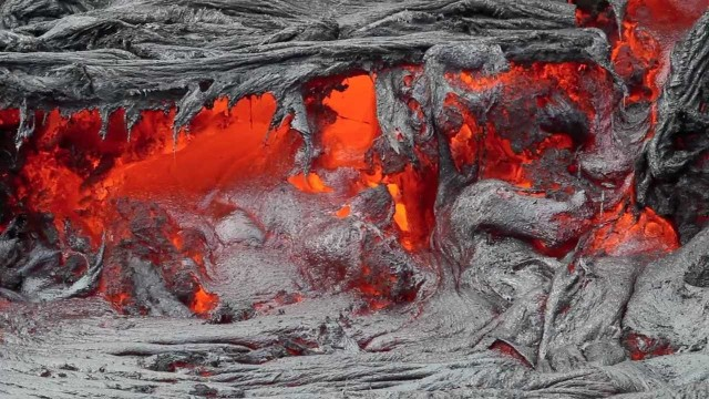 After Royal Gardens: molten lava heads 2-miles to the ocean