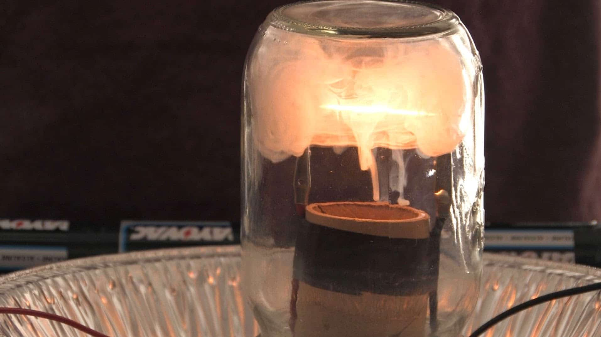 How To Build A Light Bulb Sick Science The Kid Should See This Simple Circuits For Kids School Home