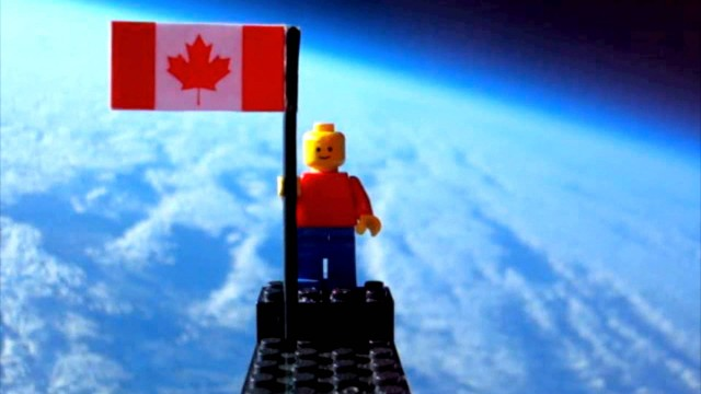 A helium balloon & a LEGO minifig travel into the upper atmosphere