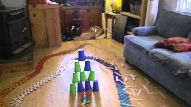 Cobra Weave Exploding Stick Bomb: a popsicle stick chain reaction