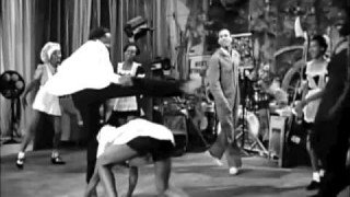 Whitey's Lindy Hoppers in Hellzapoppin' (1941)