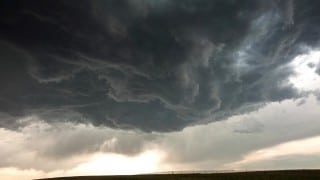 Stormscapes – A time lapse of storm clouds & mesocyclones