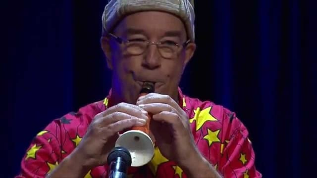 How to make a carrot clarinet