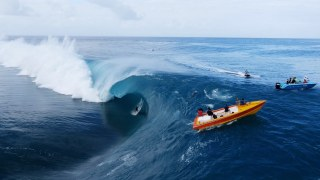 Surfing the 'World's Heaviest Waves' – Teahupo'o, Tahiti by drone