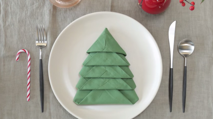 How To Fold A Christmas Tree Napkin Instructables The