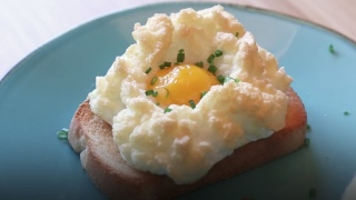 How to make 'cloud eggs'