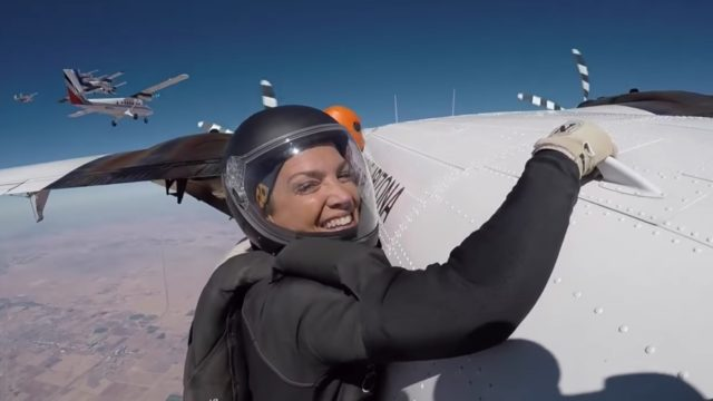 A world record 217-way 3 points skydive over Arizona in 360°