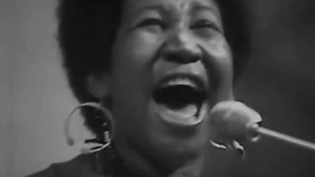 Aretha Franklin sings Don't Play That Song (You Lied) and I Say A Little Prayer in 1970