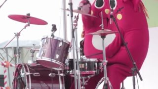 Nyango Star, Japan's cat-apple mascot drummer