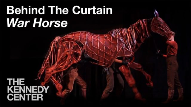 How do war horse puppeteers make their War Horse real?