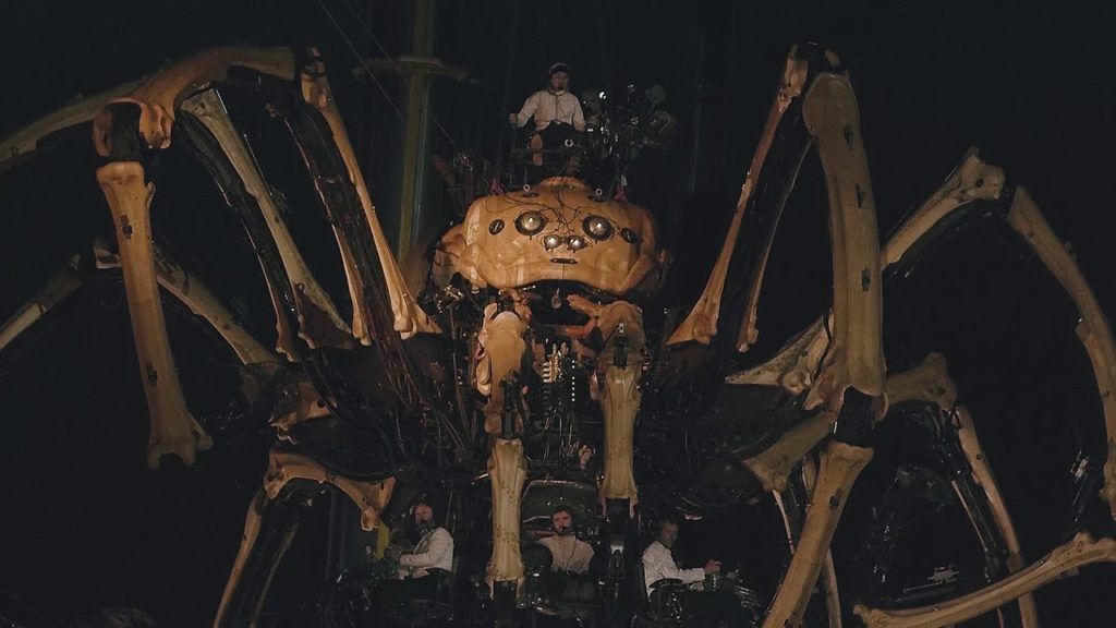 La Machine spider puppet