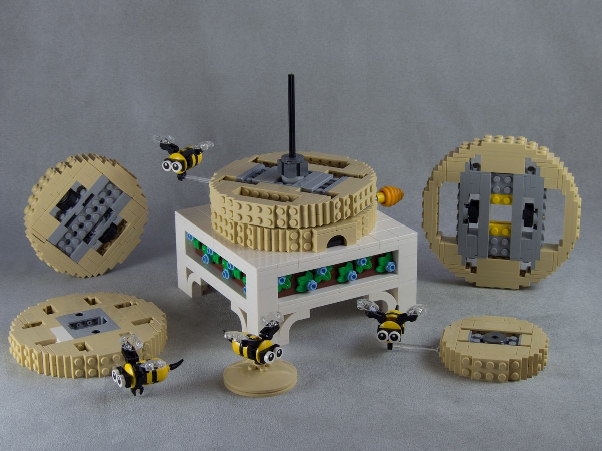 lego mechanical bee hive (open) by the quinten