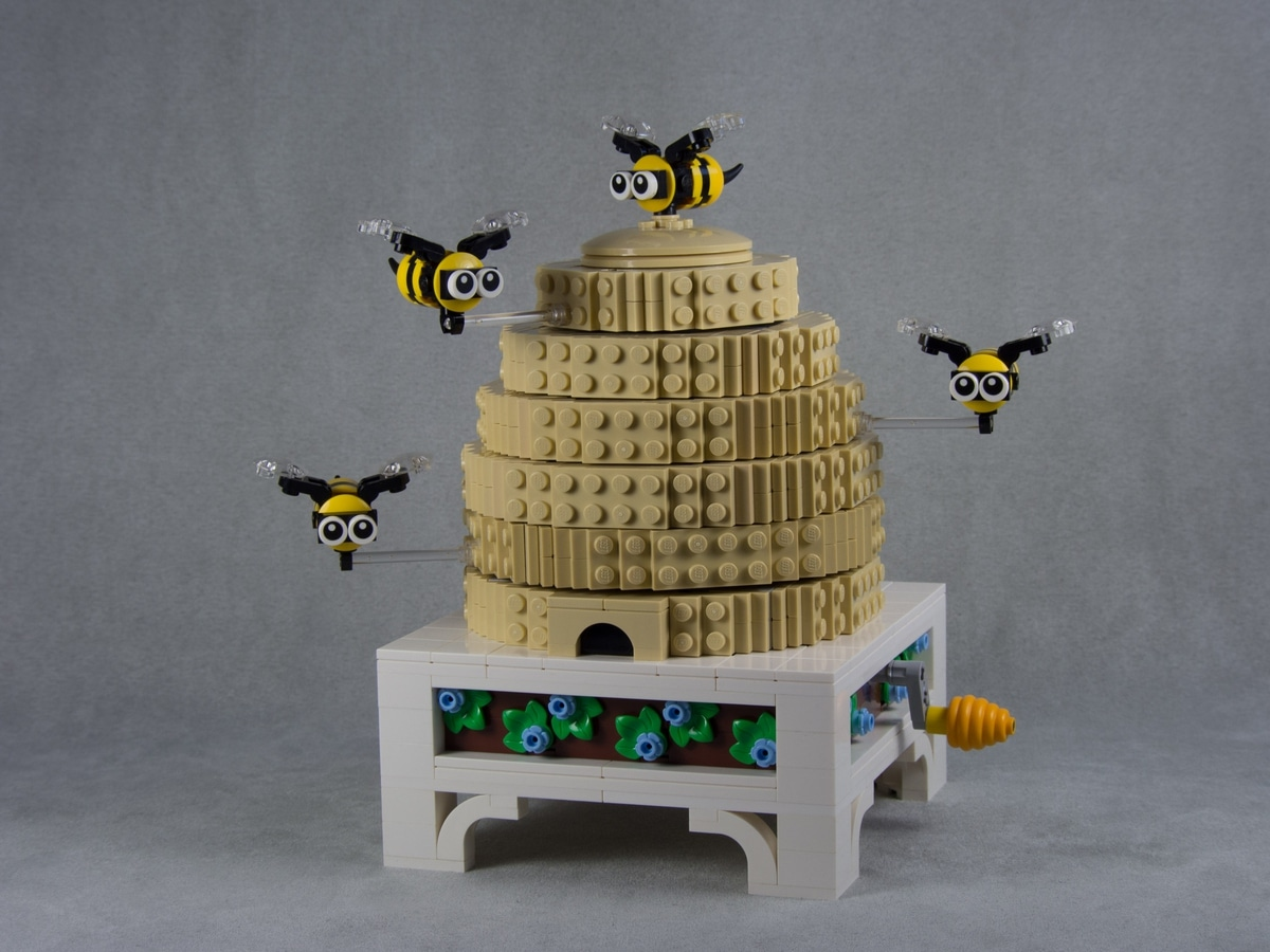 lego mechanical bee hive