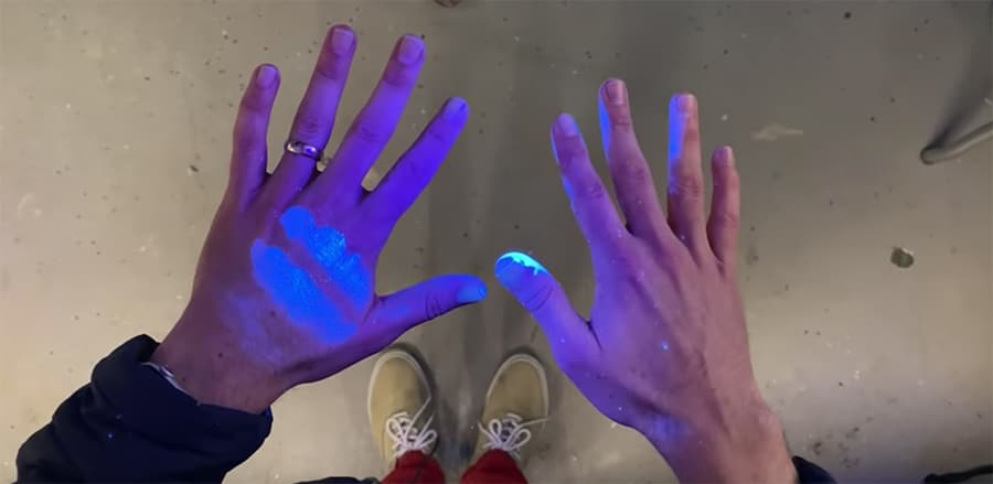 glo germ powder on hands