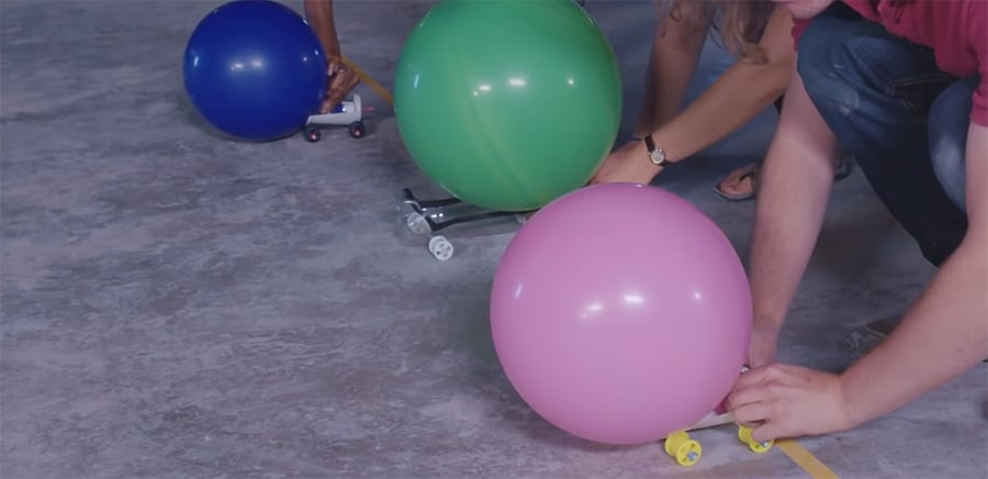 balloon race cars