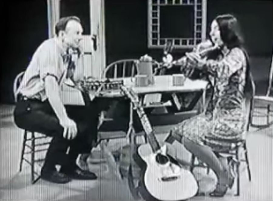 Buffy Sainte-Marie on Pete Seeger's television show
