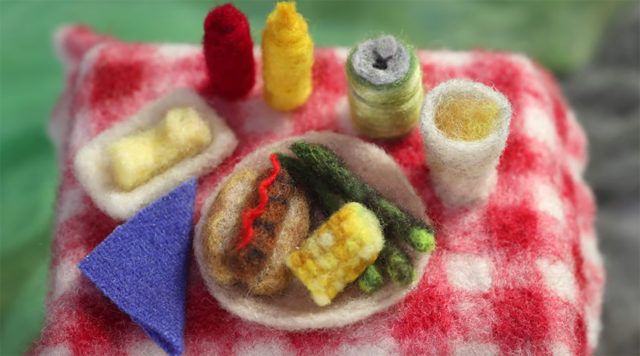summer meal from the grill (in wool)